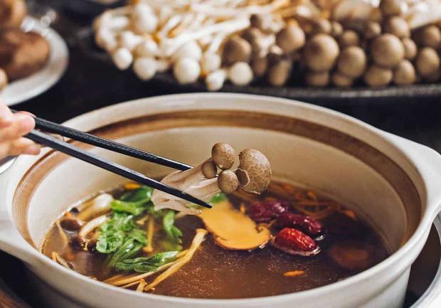 Ăn nấm mỗi ngày đem tới 3 lợi ích tuyệt vời cho sức khỏe, nhưng có 3 nhóm người không nên ăn kẻo hại người - Ảnh 4.
