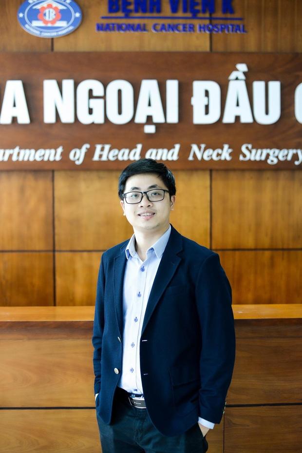 Càng nhiều người trẻ mắc ung thư tuyến giáp, bác sĩ Bệnh viện K khuyến cáo: Khi sờ hoặc nhìn thấy khối u xuất hiện vùng cổ, nên đi khám ngay - Ảnh 2.