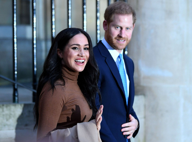 """Cuộc phỏng vấn mới chỉ là """"trailer""""? Vợ chồng Meghan sắp có cả phim truyền hình bóc trần tất tần tật """"thâm cung bí sử"""" của Hoàng gia Anh - Ảnh 1."""