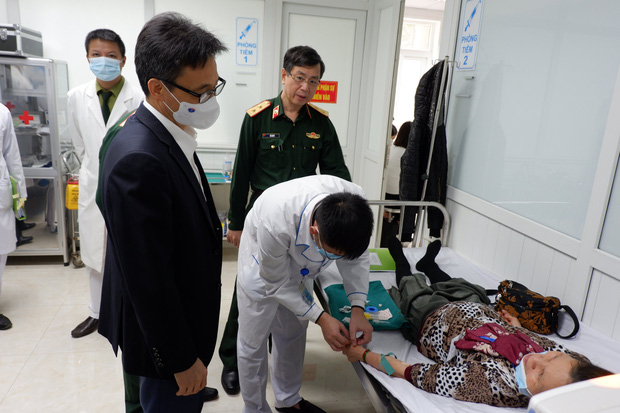 Phó Thủ tướng Vũ Đức Đam tiêm thử nghiệm vaccine phòng Covid-19 made in Vietnam - Ảnh 3.