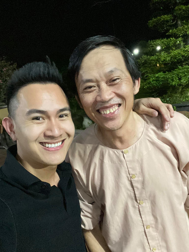 Con trai ruột NS Hoài Linh ở Mỹ: Soái ca độc thân làm việc cho American Airlines, bỏ 1,3 tỷ/năm mua vé máy bay du lịch - Ảnh 1.