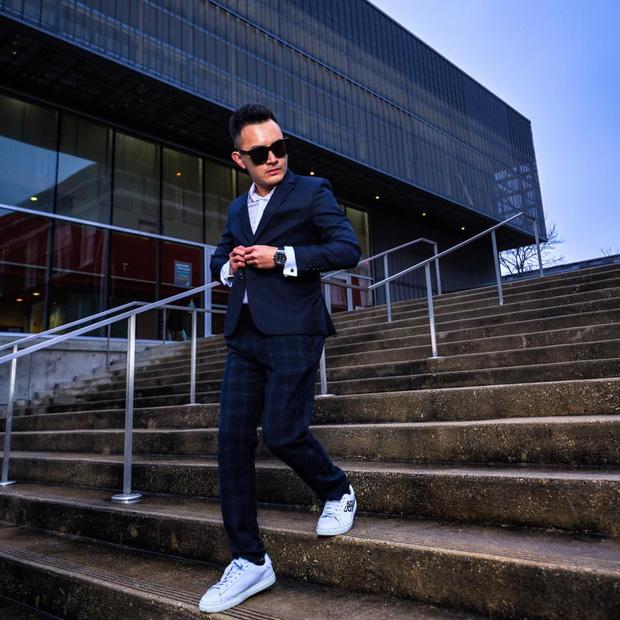 Con trai ruột NS Hoài Linh ở Mỹ: Soái ca độc thân làm việc cho American Airlines, bỏ 1,3 tỷ/năm mua vé máy bay du lịch - Ảnh 12.