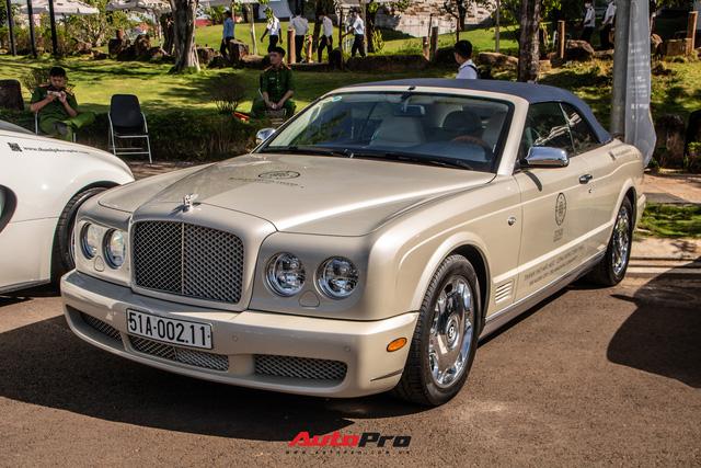 Ông Đặng Lê Nguyên Vũ mang Bugatti Veyron cùng dàn xe hơn trăm tỷ xuất hiện tại TP. Buôn Mê Thuột - Ảnh 8.
