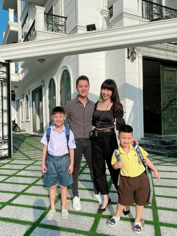 Loạt sao Việt giàu nhưng cho con học trường siêu rẻ: Con Xuân Bắc chưa tới 10 triệu/tháng, quý tử nhà Đăng Khôi còn bất ngờ hơn - Ảnh 3.