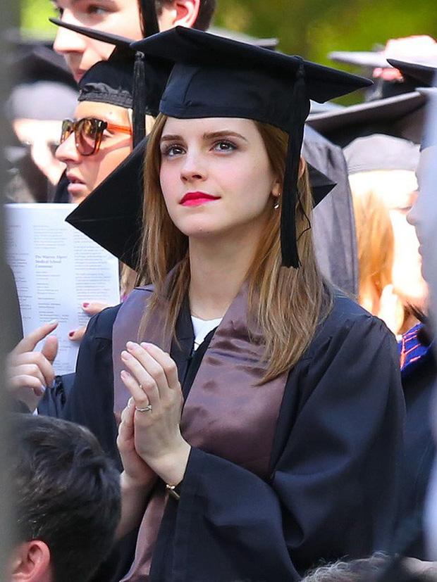 Emma Watson: Cô phù thủy Hermione thành sếp lớn của Gucci, sự nghiệp tỉ lệ nghịch với nhan sắc tuột dốc không phanh  - Ảnh 27.