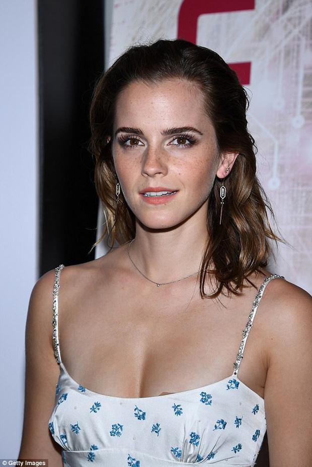 Emma Watson: Cô phù thủy Hermione thành sếp lớn của Gucci, sự nghiệp tỉ lệ nghịch với nhan sắc tuột dốc không phanh  - Ảnh 34.