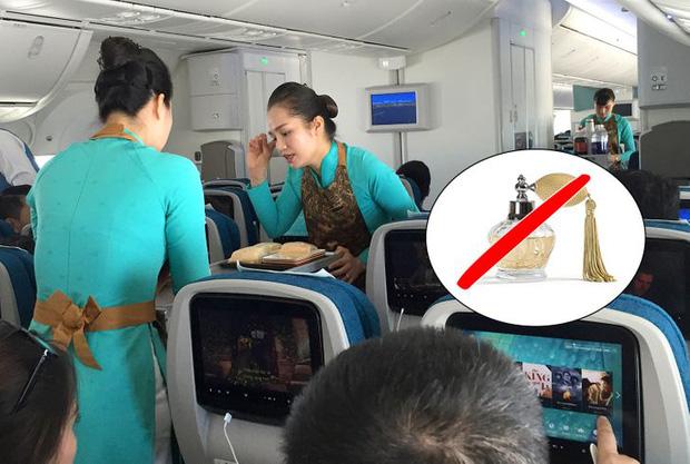 Những điều cực cấm kị đối với các tiếp viên hàng không trên máy bay, đọc xong mới biết nghề này khắt khe cỡ nào - Ảnh 2.