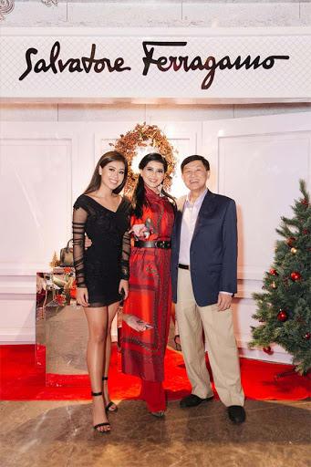 Đọ sắc những bà mẹ đại gia của hội rich kid: Bà trùm hàng hiệu Thủy Tiên sở hữu thần thái đỉnh cao, mẹ Phan Thành bí ẩn nhất Sài thành - Ảnh 17.