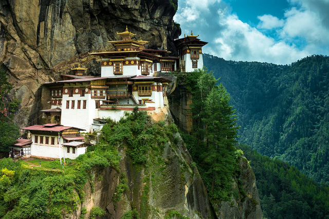 Những điều độc nhất vô nhị ở Vương quốc hạnh phúc Bhutan: Không smartphone, không thuốc lá và không GDP  - Ảnh 1.