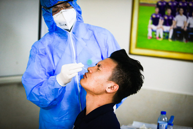 Quang Hải, Bùi Tiến Dũng được đề nghị ưu tiên sử dụng vaccine Covid-19 - Ảnh 1.