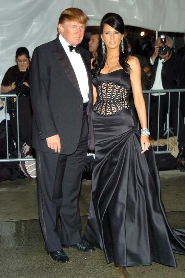 Góc khuất đại tiệc hào nhoáng nhất thế giới Met Gala: Cấm cửa vì thù riêng, chồng tiền để có vé và thủ đoạn kiếm trăm tỷ - Ảnh 8.
