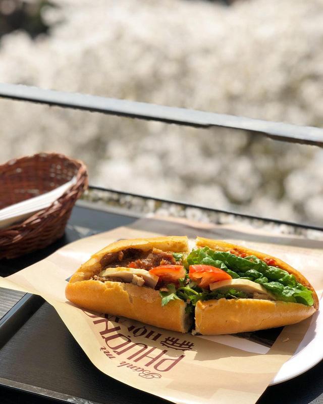 Quá tự hào với 5 tiệm bánh mì made in Vietnam ở nước ngoài: Đắt hàng như tôm tươi, bạn bè quốc tế check in rần rần  - Ảnh 1.
