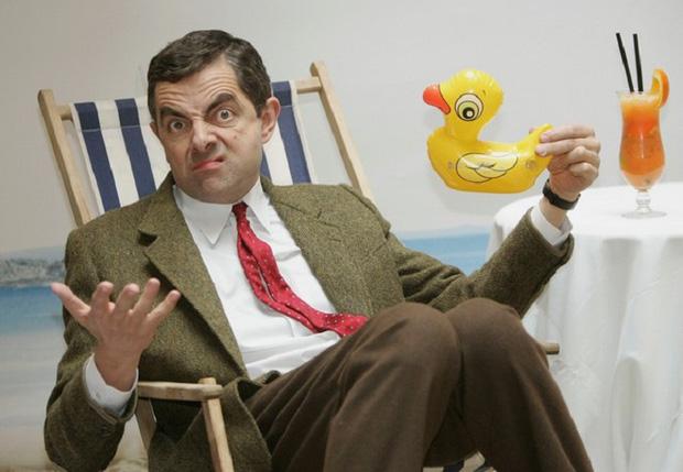 Thông tin hiếm về con trai Mr. Bean: Đẹp trai khác hẳn bố, học cùng trường với Hoàng tử Anh và Brunei, thành tích khủng ngỡ ngàng - Ảnh 1.