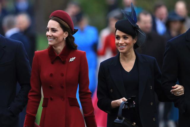 Đại chiến thâm cung: Hoàng tử Harry và vợ Meghan Markle bóc trần loạt sự thật gây sốc về hoàng gia Anh  - Ảnh 2.