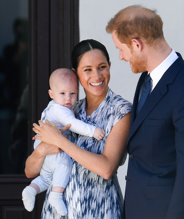 Đại chiến thâm cung: Hoàng tử Harry và vợ Meghan Markle bóc trần loạt sự thật gây sốc về hoàng gia Anh  - Ảnh 3.