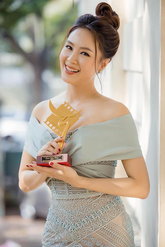 Đại tiểu thư nhà họ Cao đang gây bão màn ảnh Việt: Gương mặt vàng của VTV và các nhãn hàng, thành công từ diễn xuất đến đời thực nhưng cực kỳ kín tiếng chuyện riêng tư - Ảnh 3.