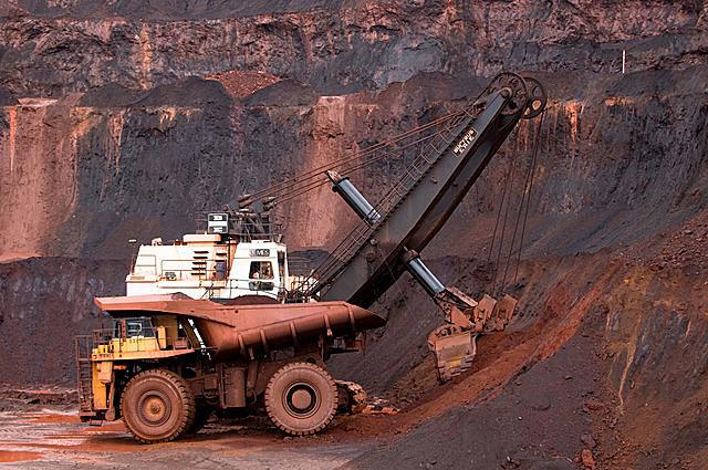 Trung Quốc dần thoát bóng Australia trong bài toán quặng sắt như thế nào - Ảnh 1.