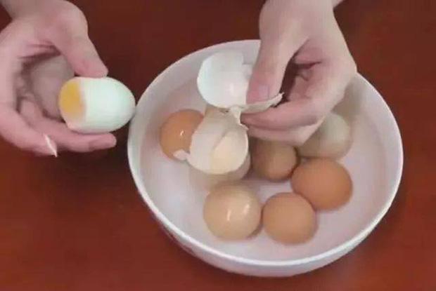 Mỗi sáng 1 quả trứng rất tốt cho sức khỏe, nhưng không nên ăn cùng 4 loại thực phẩm này kẻo lợi bất cập hại - Ảnh 1.