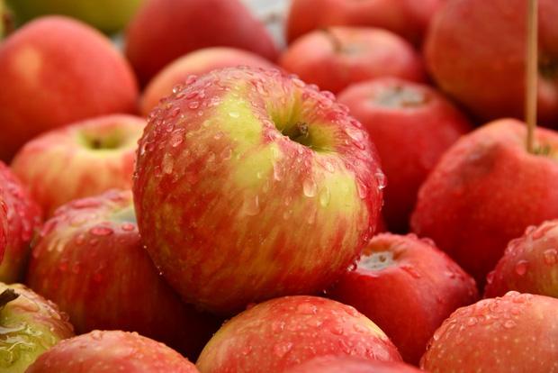10 loại thực phẩm tồn dư thuốc bảo vệ thực vật nhiều nhất, rau mồng tơi xếp thứ 2, loại quả đứng vị trí thứ nhất không bất ngờ - Ảnh 1.