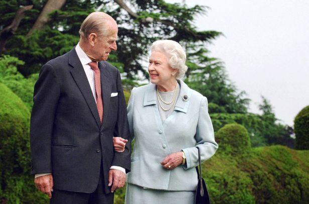 Tiết lộ nơi cất giữ thi hài Hoàng tế Philip cho tới khi Nữ hoàng qua đời, nguyên nhân sâu xa khiến công chúng tuôn trào nước mắt - Ảnh 3.