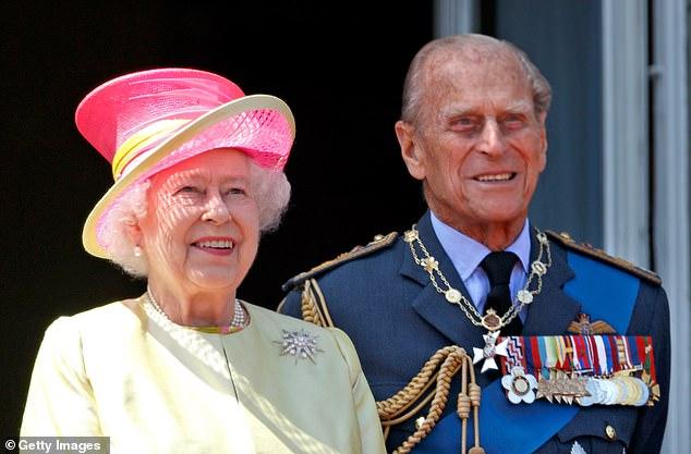 Nữ hoàng Anh sẽ trở lại làm việc sau khi để tang chồng, sự mạnh mẽ và kiên cường của bà khiến mọi người kinh ngạc và thán phục - Ảnh 4.