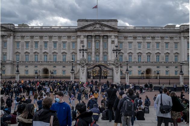 Hoàng tử Harry sẽ có mặt trong tang lễ Hoàng tế Philip: Liệu đây có phải cơ hội để gia đình hoàng gia hàn gắn? - Ảnh 2.