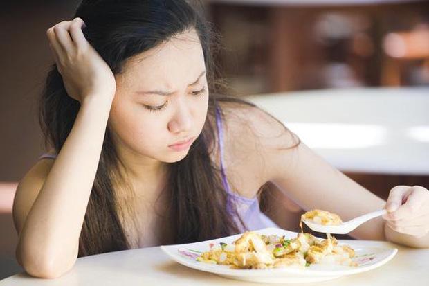 Cứ ăn cơm lại xuất hiện 3 dấu hiệu này chứng tỏ tuyến tụy kêu cứu, bạn nên đi khám sớm trước khi ung thư hình thành - Ảnh 2.