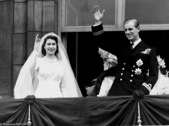 10 cặp đôi hoàng gia khiến chúng ta tin, tình yêu không phân biệt tuổi tác, địa vị nhưng cái kết chưa chắc có hậu: Số 3 từng được ví như Lọ Lem thời hiện đại - Ảnh 1.