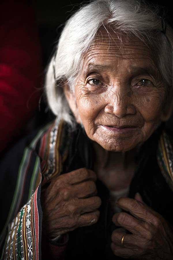 Nhiếp ảnh gia người Pháp gây sốt với 10 năm theo đuổi hành trình bảo tồn nét văn hóa 54 dân tộc Việt Nam qua ảnh - Ảnh 3.