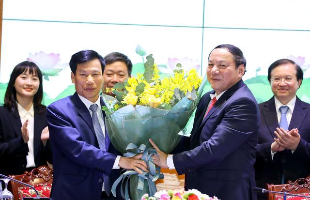 Bàn giao nhiệm vụ Bộ trưởng Bộ Văn hóa, Thể thao và Du lịch - Ảnh 3.