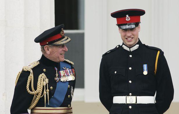 Harry gây tranh cãi về trang phục trong tang lễ, Nữ hoàng đưa ra quyết định chưa từng có để vẹn cả đôi đường - Ảnh 1.