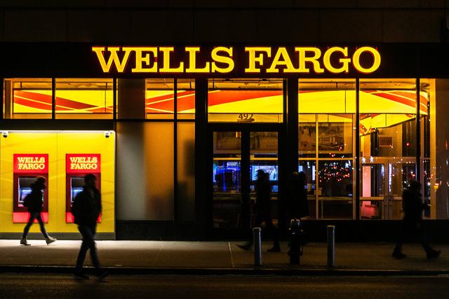 Các đại gia ngân hàng Mỹ thắng lớn - Ảnh 1.