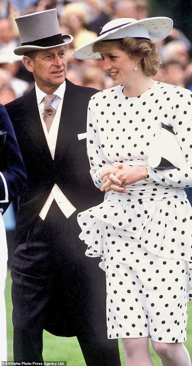 Quan hệ tốt đẹp của Hoàng tế Philip và các nàng dâu: Công nương Diana nhận sự đối đãi đặc biệt nhưng vẫn chưa phải là người được yêu quý nhất - Ảnh 8.