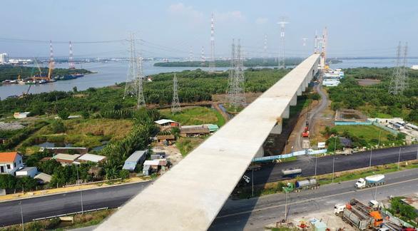 Tp.HCM kiến nghị gỡ vướng mắc cho 6 dự án giao thông quan trọng trên địa bàn - Ảnh 1.