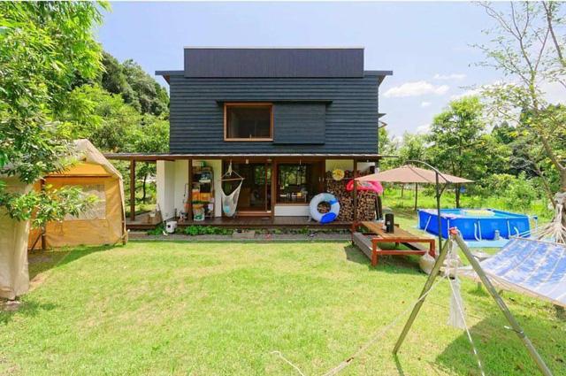 Từ thành phố chuyển về nông thôn ở nhà gỗ, gia đình Nhật Bản biến cuộc sống bình thường trở thành thiên đường! - Ảnh 1.