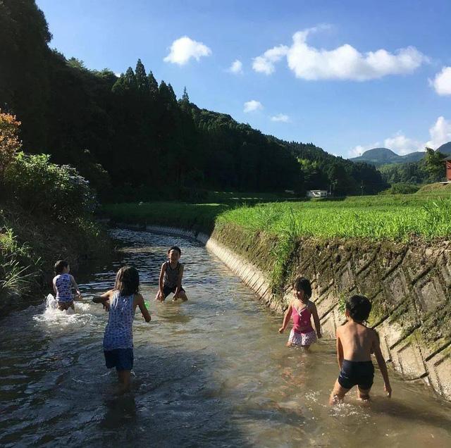 Từ thành phố chuyển về nông thôn ở nhà gỗ, gia đình Nhật Bản biến cuộc sống bình thường trở thành thiên đường! - Ảnh 16.
