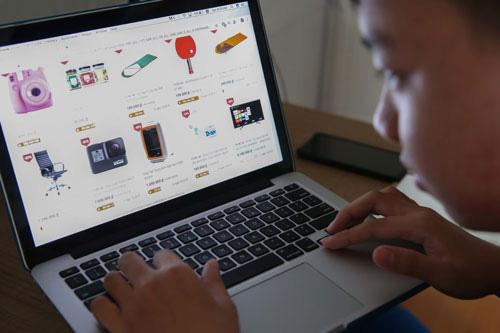 Muôn hình vạn trạng đánh giá rởm trên các trang thương mại điện tử - Ảnh 1.