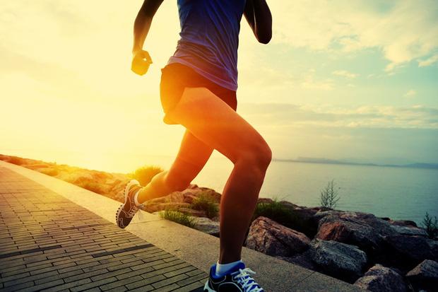 Cùng có thói quen đi bộ mỗi ngày, tại sao có người sống thọ tới 90 tuổi, có người lại rước thêm bệnh? Hóa ra phụ thuộc 4 thói quen này - Ảnh 3.