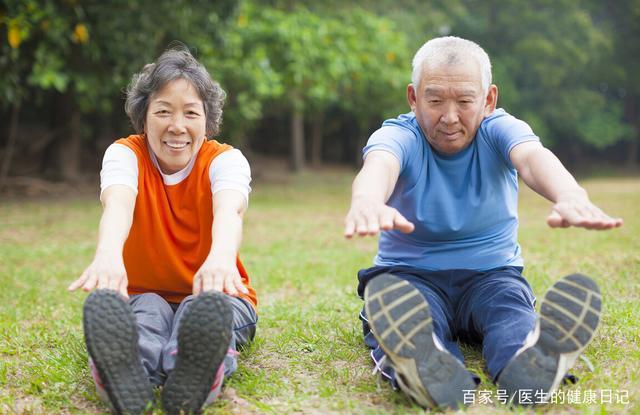Khi mỡ máu tăng cao, cơ thể sẽ phát ra 5 tín hiệu, nên hạn chế ăn 3 thực phẩm để tránh bệnh tăng nặng - Ảnh 5.