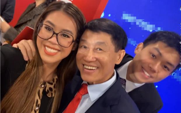 Jonathan Hạnh Nguyễn: Ông bố tỷ phú bên ngoài nhiều tiền, bên trong có trái tim ấm áp khiến ai cũng tan chảy - Ảnh 8.