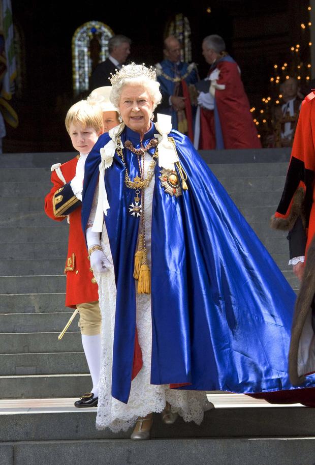 4 món quà chất đầy tâm tư mà Hoàng thân Philip tặng cho Nữ hoàng Anh, trở thành kỷ vật đi cùng bà suốt những năm tháng đẹp nhất đời - Ảnh 4.