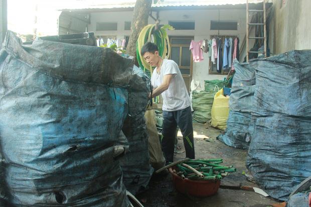 """""""Ngạt thở"""" vì ô nhiễm ở làng tái chế nhựa phế thải lớn nhất Hà Nội - Ảnh 13."""