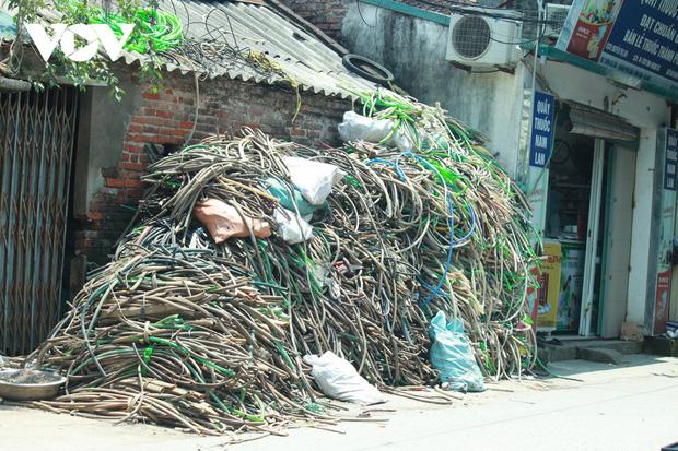 """""""Ngạt thở"""" vì ô nhiễm ở làng tái chế nhựa phế thải lớn nhất Hà Nội - Ảnh 14."""