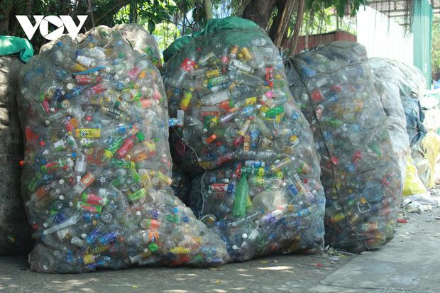 """""""Ngạt thở"""" vì ô nhiễm ở làng tái chế nhựa phế thải lớn nhất Hà Nội - Ảnh 4."""