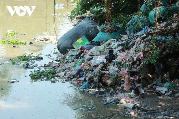 """""""Ngạt thở"""" vì ô nhiễm ở làng tái chế nhựa phế thải lớn nhất Hà Nội - Ảnh 5."""