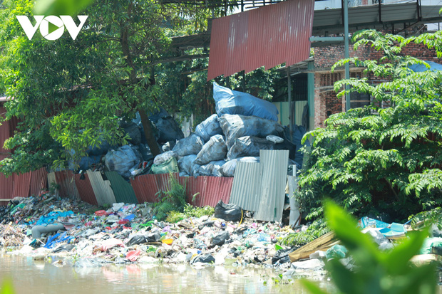 """""""Ngạt thở"""" vì ô nhiễm ở làng tái chế nhựa phế thải lớn nhất Hà Nội - Ảnh 10."""
