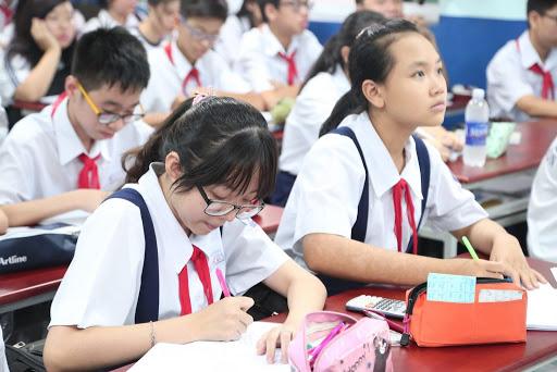 Hà Nội dừng tuyển sinh hệ song bằng lớp 6: Loạt vấn đề đặt ra khiến những phụ huynh có con đang theo học đứng ngồi không yên - Ảnh 4.