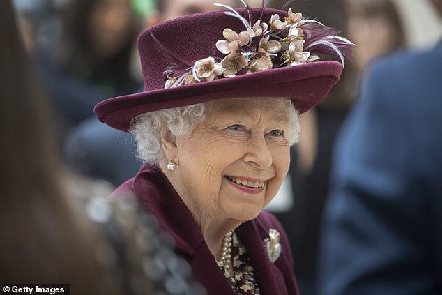 Harry gây bức xúc khi để lộ lý do khiến anh vội vã về Mỹ, bỏ lại Nữ hoàng Anh trong ngày sinh nhật cô đơn nhất  - Ảnh 3.