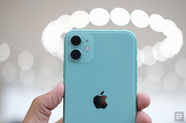 Người dùng Mỹ có xu hướng chi ít tiền hơn cho iPhone - Ảnh 1.