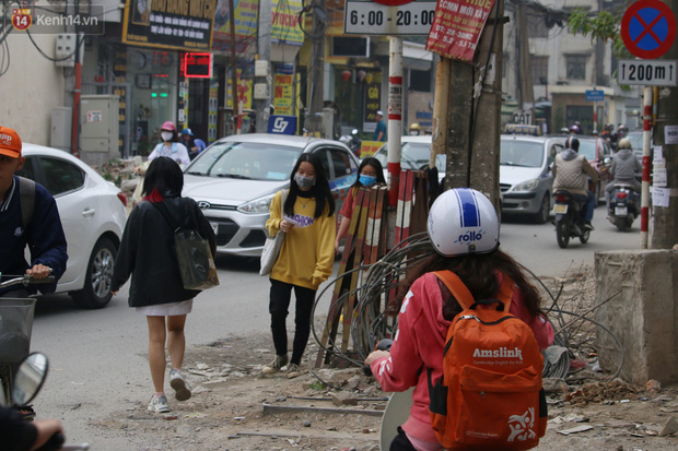 Hà Nội: Nhếch nhác trên tuyến phố 400m thi công 2 năm chưa xong - Ảnh 11.